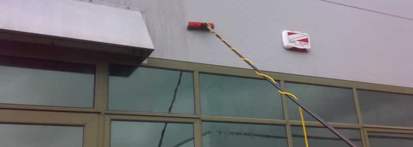 Water Fed Pole Cladding Cleaning Commercial